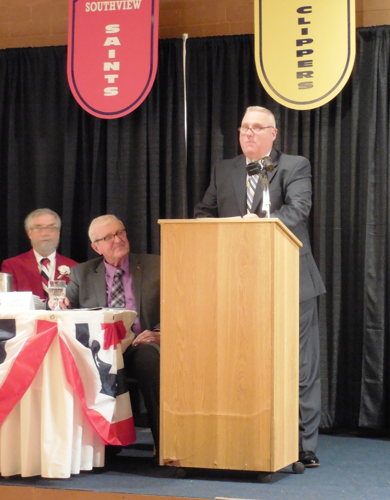 Tom Pfaff speaks for his great-uncle, enshrinee William Pete Smith 5.12.16