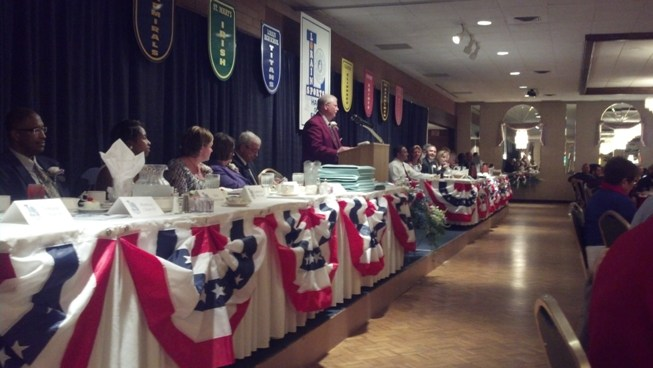 LSHOF President Dave Simpson welcomes inductees and guests to the 2014 Lorain Sports Hall of Fame induction banquet at DeLuca's Place in the Park in Lorain. This was the 45th annual induction ceremony.